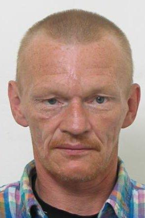 Politiet i Asker og Bærum leter etter Frank Terje Hammer, som ikke er sett etter at han gikk ut av en bil et sted langs Vestsidevegen forrige lørdag.