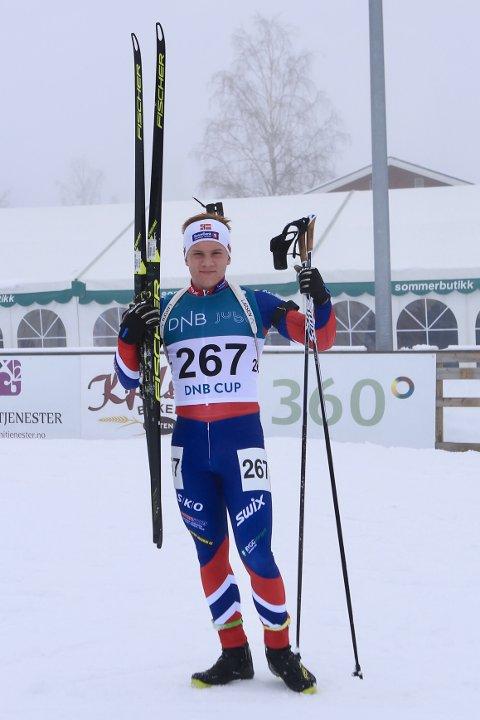 Vegard Thon endte på andreplass i gutter 17 år i dagens norgescuprenn i skiskyting i Karidalen.