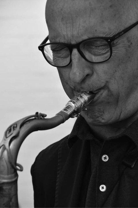 Knut Riisnæs er en prisbelønt norsk jazzmusiker, arrangør og komponist. Han har hentet impulser fra ulike stilskapere som Charlie Parker, Sonny Rollins, John Coltrane og Wayne Shorter og utviklet en personlig, moderne spillestil på høyt internasjonalt nivå.
