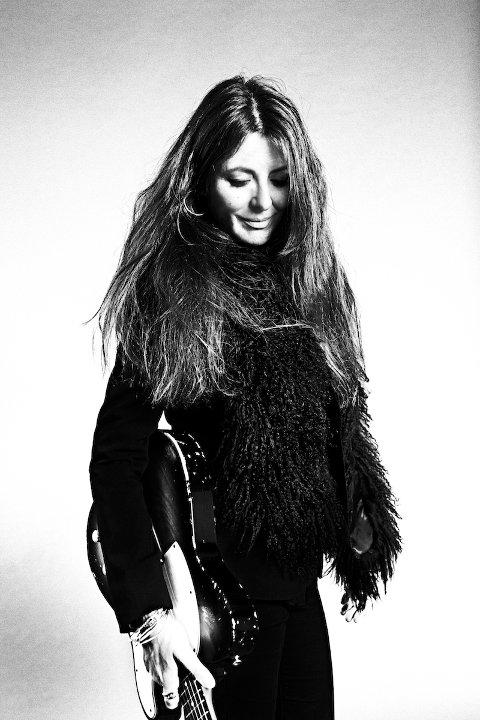 Claudia Scott: Kommer med sin gitarist, Olav Torgeir Kopslan.