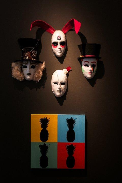 Utstillingen  vil være på Veien Kulturminnepark til starten av juni.