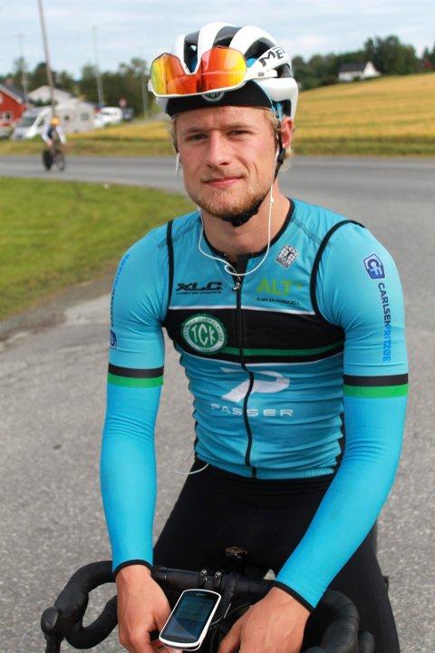 TOPP TRE: Mikkel Eide imponerte da han kjørte inn til en flott tredjeplass i fredagens norgescupritt på sykkel i Skogn.