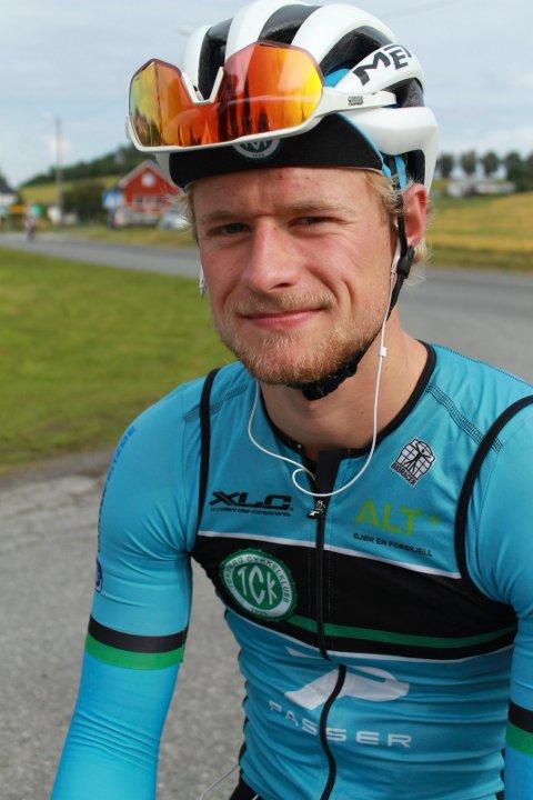 I TENKEBOKSEN: Mikkel Eide er i tenkeboksen, skal han fortsette karrieren sin som syklist, eller blir det et vanlig liv som student.