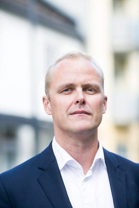 KRITIKK: Bostyrer Thomas Christian Wangen har funnet mye å sette fingeren på i sin bobehandling av Norges migreneforbund. (Foto: Lisbeth Lund Andresen)