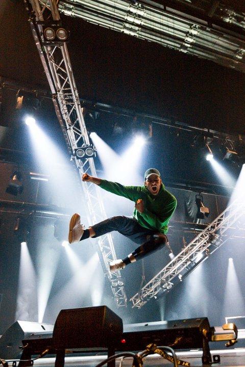 Gleder seg: Benjamin gleder seg til å stå på scenen med et stort liveband!