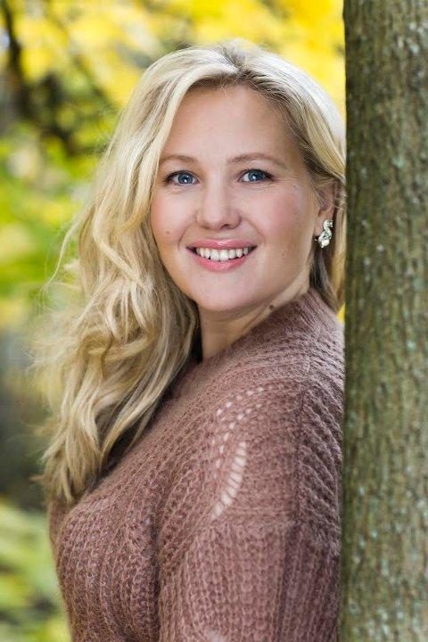Bokdebutant: Lene Julsen fra Sarpsborg er klar med boken «Naturmannen og jeg» i slutten av mars.