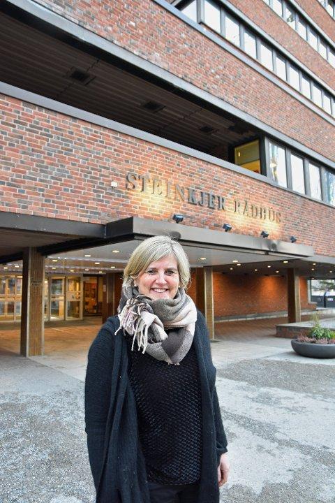 AMBULANSE: Ordfører Anne Berit Lein  mener Helse Nord-Trøndelag må trekke forslaget sitt om å gjøre om å gjøre om døgnberedskapen i Malm.