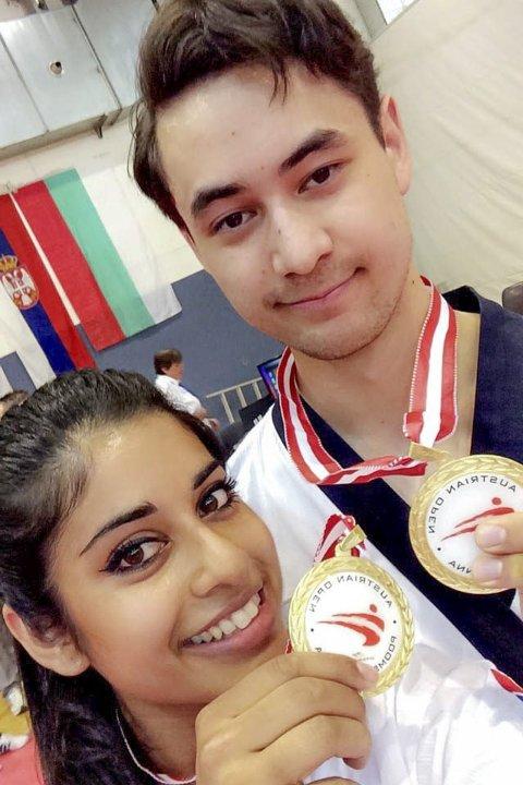VANT I WIEN: Nina Bansal og Joachim Wien tok med medaljer hjem fra Wien. Foto privat
