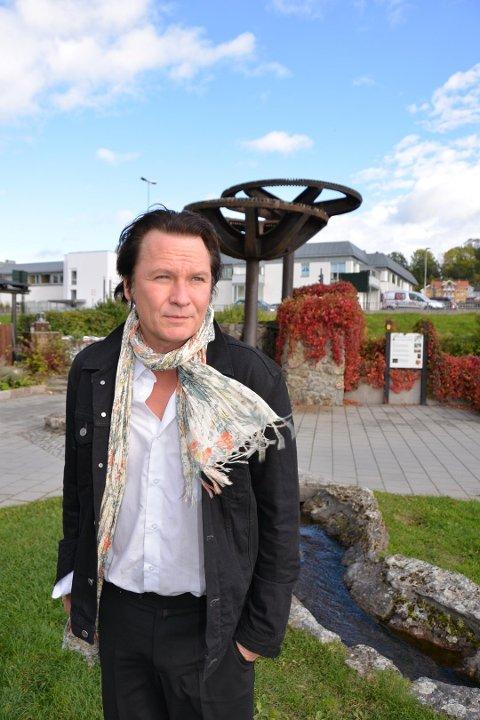 """KRSE: - Det er er en """"disaster"""", sier Paal Flaata. Egentlig skulle han feiret 20-årsjubileum som artist nå."""