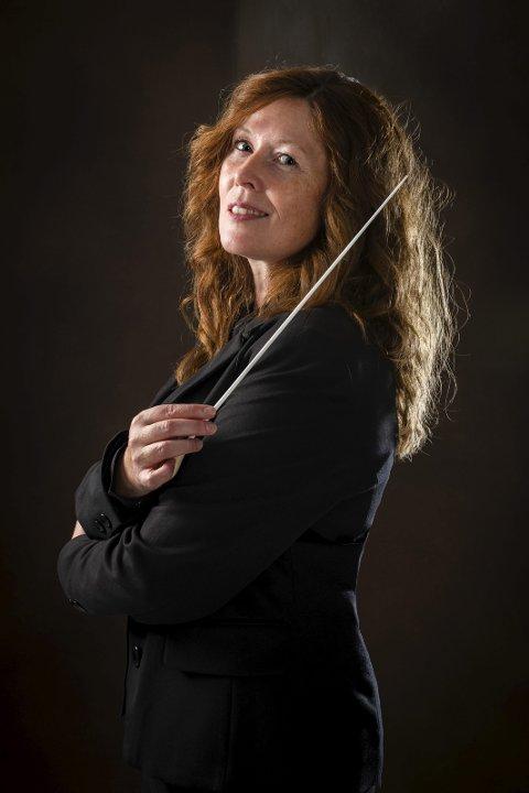 Nye toner: Kammerkorets dirigent Ellen Karberg. Foto: Anita Grønlund