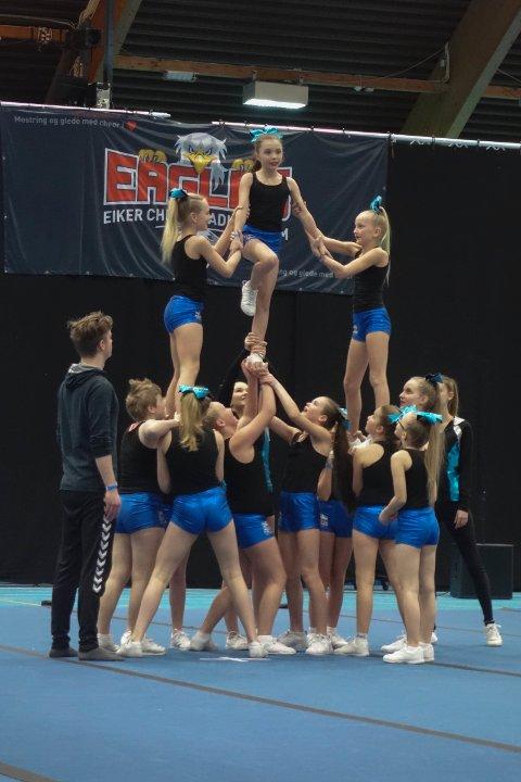 Peewee jentenes pyramide