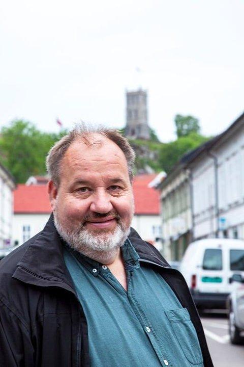 – Kommunen gjennomfører nå et stort eksperiment, mener Olav Sanness Vika.