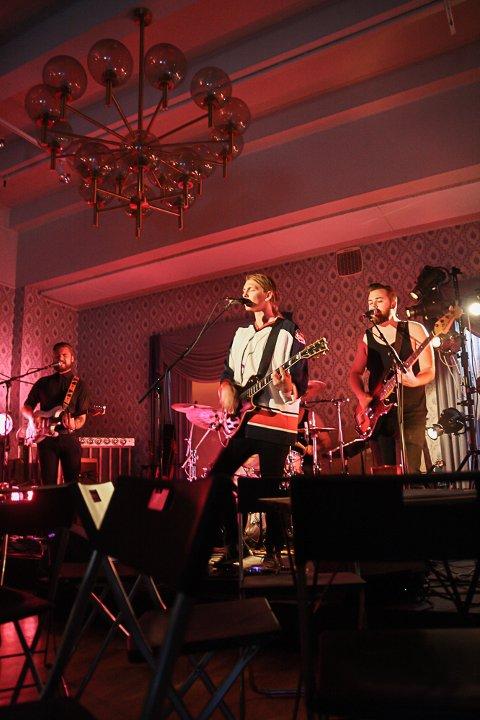 HOLDT KONSERT: Tross det totalte fraværet av gjester gjennomførte Simen Rem, Erlend Lehland, Stian Stapnes og Tobias Flottorp konserten med glans.