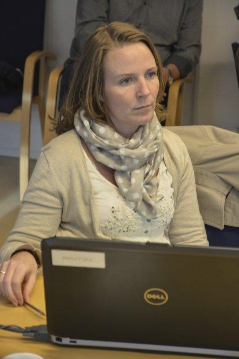 Sektorleder Helene Tveide sier hun ikke hadde noen andre steder å kutte.