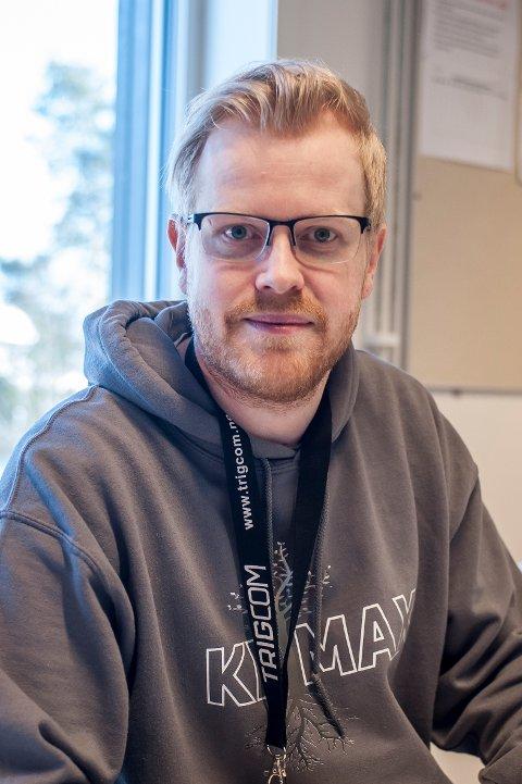 Marius Krohn-Hauglie har påtatt seg sin fjerde revy som instruktør på Nesodden. Han har tidligere erfaring med Fjellstrandrevyen og som stand up komiker.