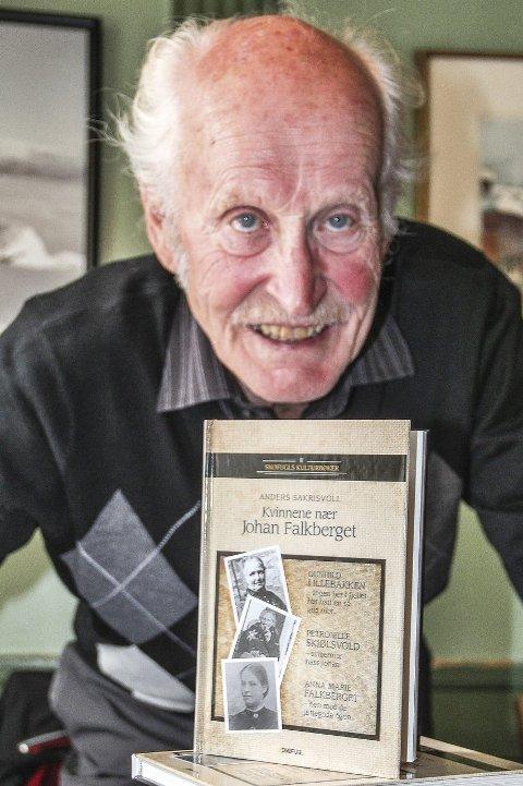 Ny bok: Anders Sakrisvoll har kommet med ei ny bok om Falkberget: «Kvinnene nær Johan Falkberget».
