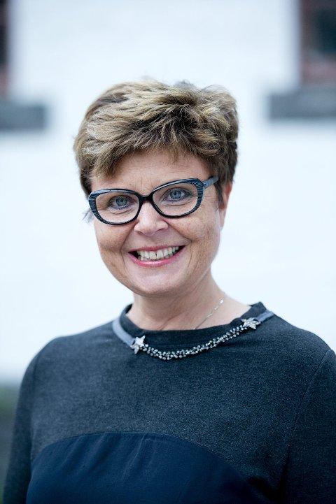 Fylkesordfører Anne Gine Hestetun er ikke udelt positiv til Fana private gymnas.
