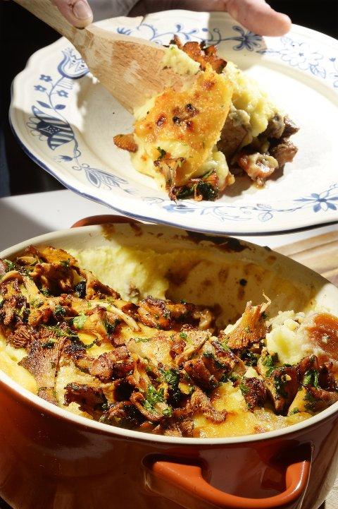 HØSTGRYTE: Shepherd's pie, lammegryte toppet av gratinert potetstappe, i Kristoffer Hovlands versjon også med høstens stekte kantareller og brødkrutonger.Alle foto: Asmund Hanslien