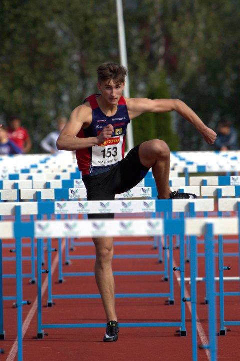 Sondre Mjølkarlid leverte en sterk 110 meter hekk på Jessheim da han ble nummer to på klar pers.
