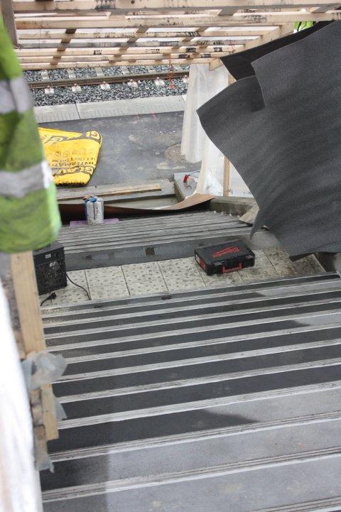 ISFRIE: De nye trappene på Ulsrud T-banestasjon og de andre rehabiliterte stasjonene har varmekabler for tryggere adkomst i vintermånedene.