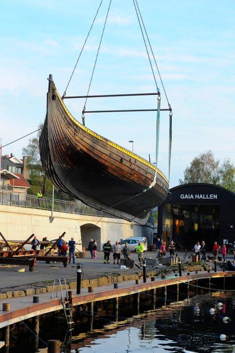 SJØSETTING: Vikingskipet Gaia kommer på vannet i år, sjøsettingen er planlagt til fredag kveld 12. juni.