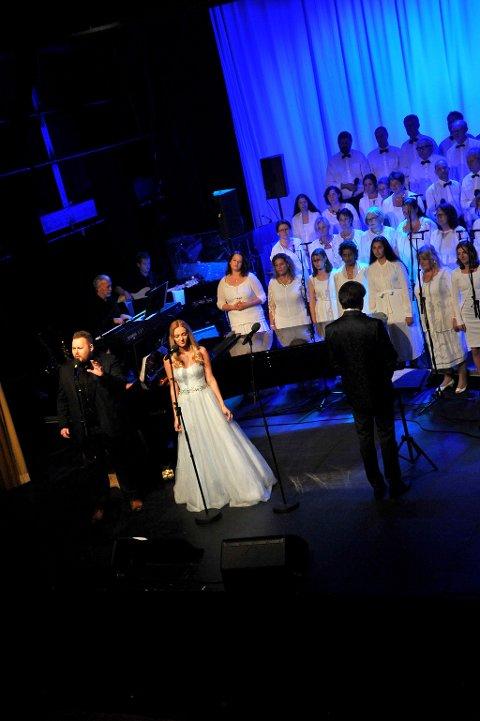 Belden og Ulla i første del, som besto av musikk fra «The Phantom of the Opera».