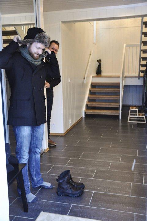 Bruksrom: Henning Aschim Wien og Inge Alexander Gjestvang i det romslige gang-rommet som også brukes til trening.