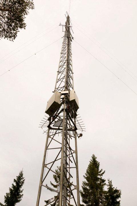 MÅLER VIND: De to vindmålerne rager henholdsvis 102 og 120 meter til værs. Denne står i nærheten av Ankerud og Søby. ARKIVFOTO