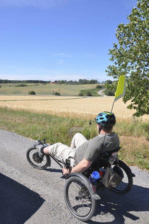 GODT HJELPEMIDDEL:Med en trehjulsykkel kan den habile syklisten komme seg rundt selv med balanseproblemer.