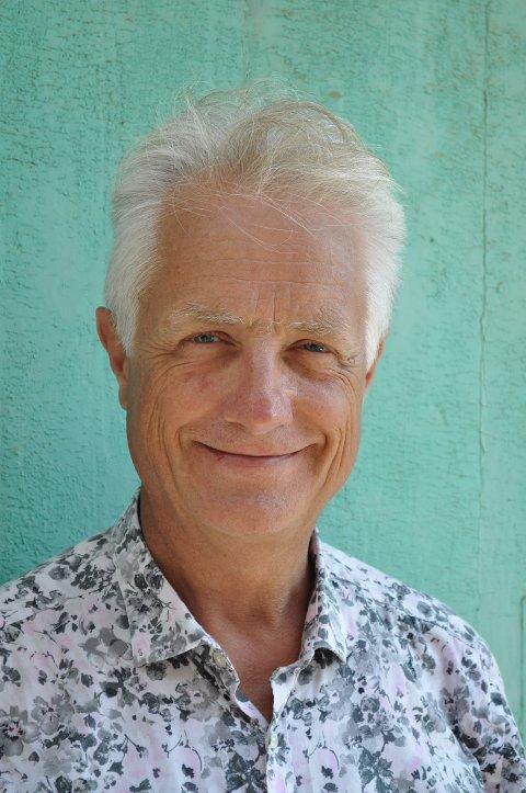 SPESIALIST: – Det som er viktig nå er at vi får vaksinert alle i risikogruppene før sommeren. Det kommer an på leveransene, sier Gunnar Hasle som er spesialist i infeksjonssykdommer. Siden 1999 har han drevet Reiseklinikken i Oslo.