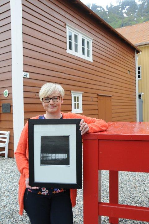 DATTER: Lena Erlandsen er overveldet over responsen. Rubbel og bit er solgt ut; nærmere 100 bilder til sammen.