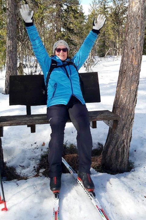 VERDENSMESTEREN: - I dag er jeg pensjonist og går fortsatt på ski.  Jeg elsker å gå ute i naturen, sier Anne-Marit Nøstvik Karlsen.