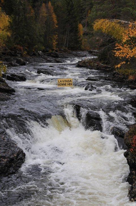 FÅR RENNE FRITT: Regjeringen stanser planene om å bygge kraftverk basert på vann fra elva Vinda i Øystre Slidre.  Foto: Ingvar Skattebu