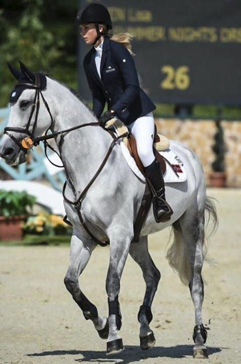 Talentfull: Lisa Ulven gjør det skarpt på hesteryggen.foto: privat