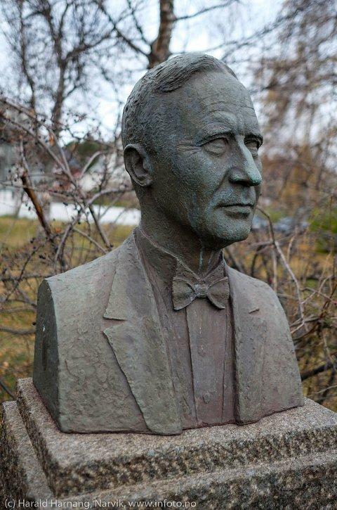FORSVUNNET: Til vanlig står minnebysten etter tidligere dirigent i Narvik mannskor og guttekor stolt utenfor krigskirkegården i Kirkeparken på Frydenlund.