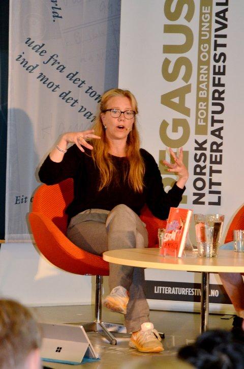 ENGASJERT: Forfatteren Vera Michaelsen i fortellermodus.