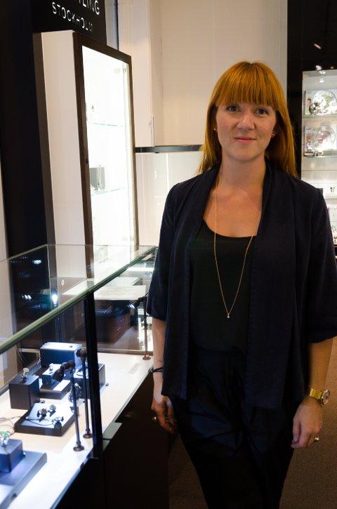 Elisabeth Grimsrud jobber på Gullsmed O. Førlie.