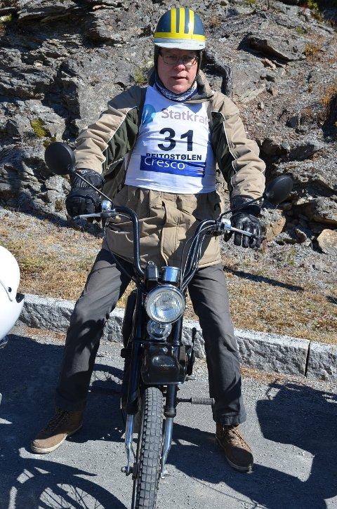 Debutant: I fjor debuterte redaktør Torbjørn Moen i løpet med sin nyerverva Honda PX 1987-modell. Han lover gjentakelse i år, uansett vær, nesten....