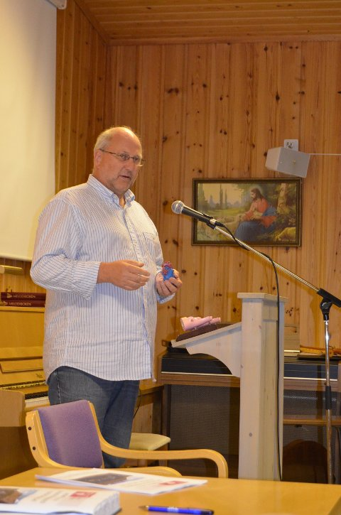 God hjartehelse: Kommunelege Tor Inge Kristianslund orienterte om korleis alle bør ta godt vare på hjartet sitt.