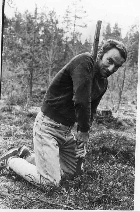 FØR: Jon Holm Lillegjelten var en av fem grunneiere som gikk imot etablering av skytebane på Svarthølmoen i Os. Da var området dekt av skog, og i tillegg til grunneierne og setereierne var det også sterk motstand fra hytteeierne i området. Foto: Ragnhild Dåsnes