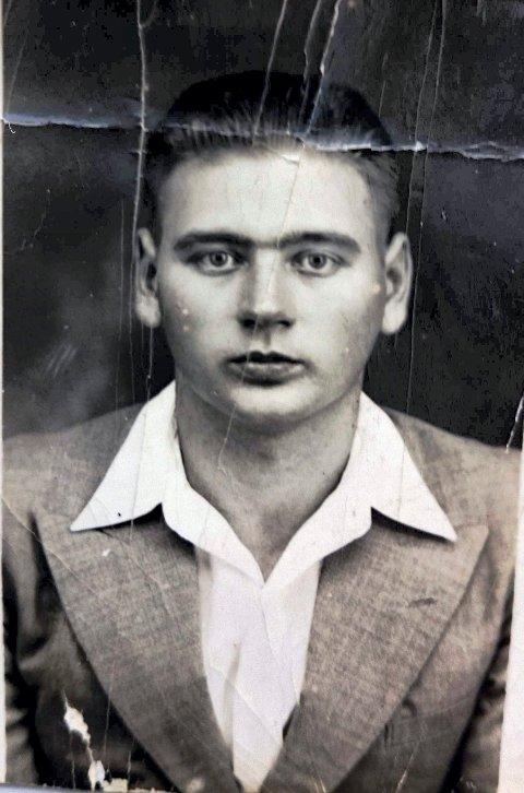MATROS: Olav Kristiansen (1921-2015) fra Leirvåg, Avaldsnes.