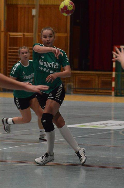 FLYTTET: Valget falgt på Skogn Folkehøgskoel for Henriette Jakobsen (19) fra Gravdal.