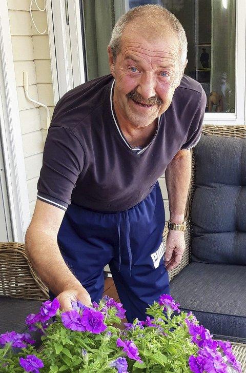 HANDYMAN: Siegfried Thallinger liker å fikse på ting hjemme, men han understreker at blomstene er konas domene. FOTO: GL