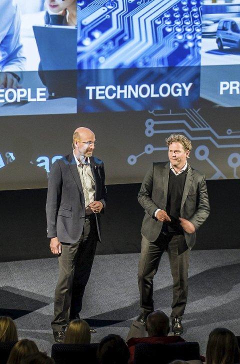 Jobbsjansen: Petter Quinsgaard (t.v.) og Bjørn Erik Brandsæter Helgeland ønsket velkommen til 100 søkere som hadde kommet gjennom første del av søknadsprosessen.