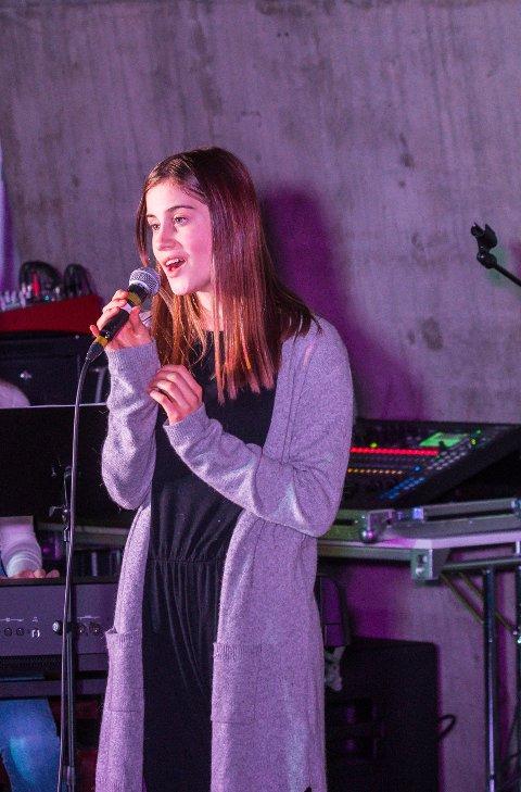 FÅR GRÜNDERERFARING: I sommer får 11 ungdommer fra Overhalla muligheten til å starte egen bedrift som sommerjobb. Blant disse er Lise Haugerøy.