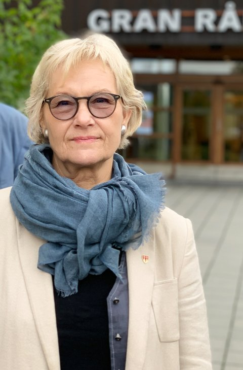 BEKYMRET: Ordfører Randi Eek Thorsen liker korona-utviklingen i Gran dårlig.