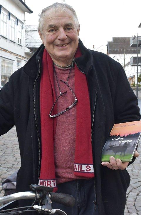 H.C. Hanssen: Glemmer aldri ei god historie. Noen av dem vil han fortelle på rådhuset fredag kveld. Foto: Olav Loftesnes