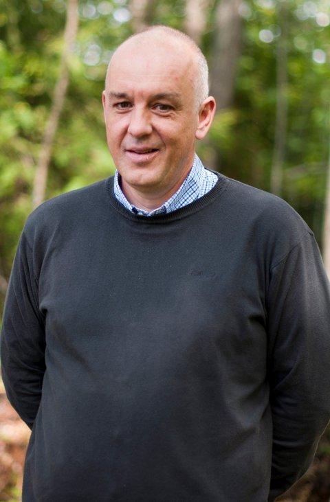 Jan Helge Russnes (53) fra Lier er tilsatt som ny rektor ved Eiker videregående skole. Foto: Buskerud fylkeskommune