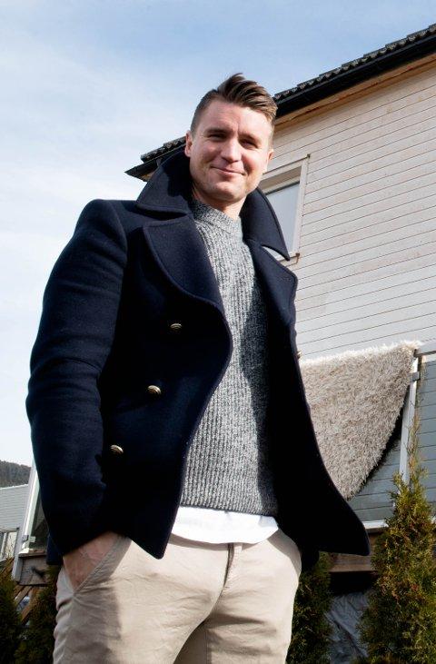 FORNØYD. Mjøndalens Christian Gauseth setter pris på at klubben ikke lar seg prege så veldig av hva andre klubber velger å gjøre i disse koronatider. Gauseth og alle hans medspillere, i tillegg til den sportslige ledelsen, er fortsatt permitterte.