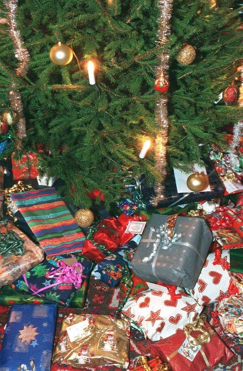 JULETREFEST: På skytterhuset er det juletrefest fredag.